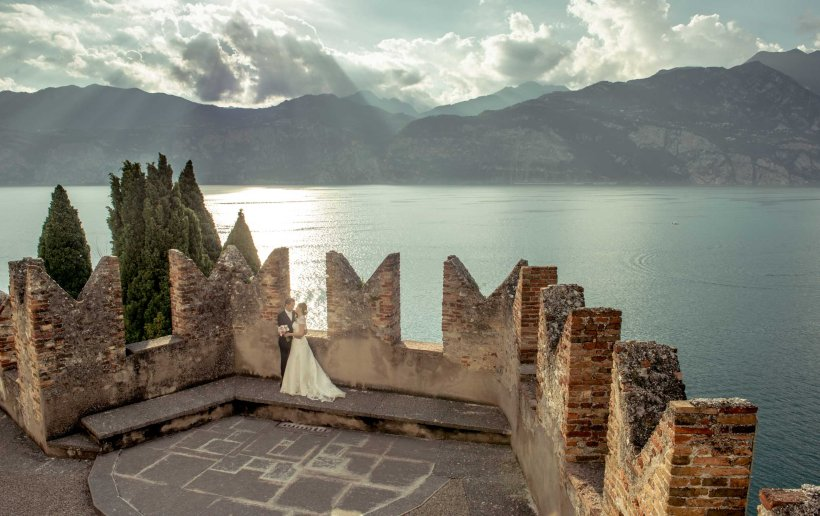 wedding malcesine castle, wedding malcesine, hochzeit am malcesine, photographer malcesine garda, wedding lake garda, hochzeit am gardasee, gardasee, gardasee castle , wedding in castle garda , lake garda stories, lazise wedding, sirmione wedding , lake garda fotograf, hearten am malcesine, hochzetfotograf, lago di garda , wedding on boat